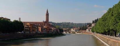 Άποψη γεφυρών ποταμών Adige στη Βερόνα Στοκ φωτογραφία με δικαίωμα ελεύθερης χρήσης