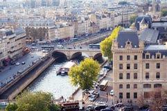 Άποψη γεφυρών του Pont-Neuf από τη Notre Dame Στοκ φωτογραφίες με δικαίωμα ελεύθερης χρήσης