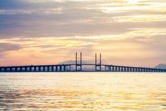 Άποψη γεφυρών Penang από την ακτή της πόλης του George, Μαλαισία Στοκ εικόνες με δικαίωμα ελεύθερης χρήσης