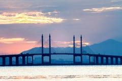Άποψη γεφυρών Penang από την ακτή της πόλης του George, Μαλαισία Στοκ φωτογραφία με δικαίωμα ελεύθερης χρήσης