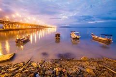 Άποψη γεφυρών Penang από την ακτή Στοκ εικόνες με δικαίωμα ελεύθερης χρήσης