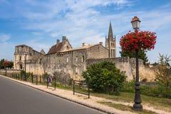 Άποψη εικονικής παράστασης πόλης σχετικά με Άγιος-Emilion, Gironde, Aquitaine, Γαλλία στοκ φωτογραφία