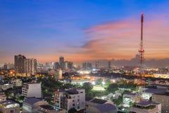 Άποψη εικονικής παράστασης πόλης της Μπανγκόκ στο λυκόφως Στοκ Εικόνες