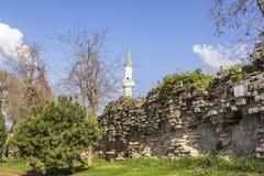Άποψη εικονικής παράστασης πόλης των τοίχων της αρχαίας Κωνσταντινούπολης στοκ εικόνες