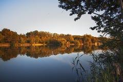 Άποψη ενός μικρού νησιού στο ηλιοβασίλεμα στοκ φωτογραφία με δικαίωμα ελεύθερης χρήσης