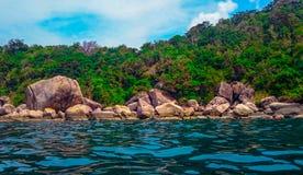 Άποψη ενώ κολυμπήστε με αναπνευτήρα δίπλα Koh Tao στοκ φωτογραφίες