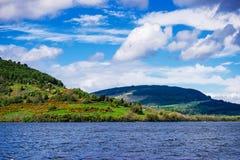Άποψη επαρχίας στη λίμνη του Λοχ Νες στη Σκωτία Στοκ φωτογραφίες με δικαίωμα ελεύθερης χρήσης