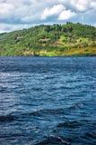 Άποψη επαρχίας σχετικά με τη λίμνη στο Λοχ Νες στη Σκωτία Στοκ εικόνα με δικαίωμα ελεύθερης χρήσης