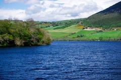 Άποψη επαρχίας σχετικά με τη λίμνη του Λοχ Νες στη Σκωτία Στοκ Εικόνες