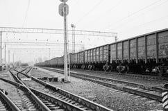 Άποψη λεπτομέρειας σχετικά με έναν συζευκτήρα τραίνων φορτίου στοκ εικόνες