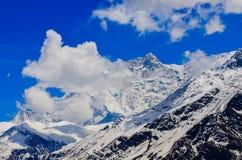 Άποψη λεπτομέρειας της αιχμής βουνών των Ιμαλαίων που καλύπτεται στο χιόνι Στοκ φωτογραφίες με δικαίωμα ελεύθερης χρήσης