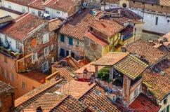 Άποψη λεπτομέρειας των παραδοσιακών ιταλικών πόλης στεγών Στοκ εικόνες με δικαίωμα ελεύθερης χρήσης
