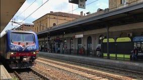 Άποψη ημέρας σταθμών τρένου της Μπολόνιας, Ιταλία απόθεμα βίντεο