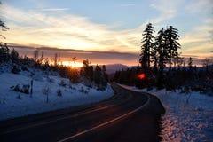 Άποψη ηλιοβασιλέματος από το δρόμο Shasta στη ημέρα των Χριστουγέννων Στοκ Εικόνες