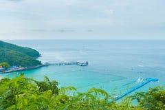 Άποψη θάλασσας από τη βουνοπλαγιά στοκ φωτογραφία