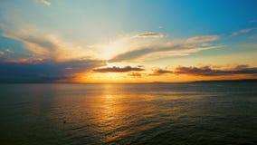 Άποψη θάλασσας σχετικά με ένα ευχάριστο θερινό βράδυ απόθεμα βίντεο