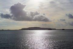 Άποψη θάλασσας του Πόρτλαντ με τα καταπληκτικά σύννεφα στοκ εικόνα