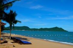 Άποψη θάλασσας από την παραλία κοντά στην πόλη Pattaya Στοκ Εικόνες