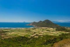 Άποψη θάλασσας με λόφοι στο Βιετνάμ Στοκ Φωτογραφίες