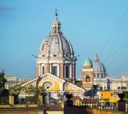 Άποψη θόλων Al Corso SAN Carlo από την πλατεία Di Spagna στη Ρώμη, Ιταλία Στοκ Εικόνες