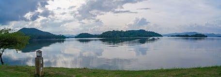 Άποψη λιμνών πανοράματος Στοκ Εικόνες