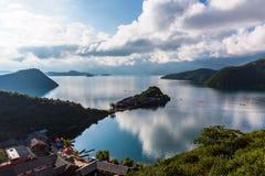 Άποψη λιμνών Lugu στοκ εικόνα