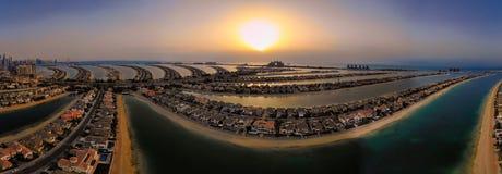 Άποψη κηφήνων ηλιοβασιλέματος Jumeirah φοινικών στοκ φωτογραφίες με δικαίωμα ελεύθερης χρήσης