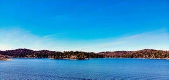 Άποψη κηφήνων που κοιτάζει προς τη Arrowhead λιμνών χερσόνησο Στοκ εικόνα με δικαίωμα ελεύθερης χρήσης