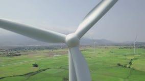 Άποψη κηφήνων στροβίλων αιολικής ενέργειας Γεννήτρια αέρα για την καθαρή εναέρια άποψη ανανεώσιμης ενέργειας Στρόβιλος ανεμόμυλων φιλμ μικρού μήκους