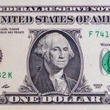 Άποψη κινηματογραφήσεων σε πρώτο πλάνο λογαριασμών ενός δολαρίου στοκ εικόνες