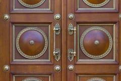 Άποψη κινηματογραφήσεων σε πρώτο πλάνο μιας μπροστινής πόρτας στοκ φωτογραφία με δικαίωμα ελεύθερης χρήσης