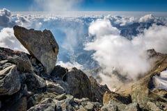 Άποψη κοιλάδων Aosta από Dent du Geant το βουνό, Ιταλία στοκ εικόνες