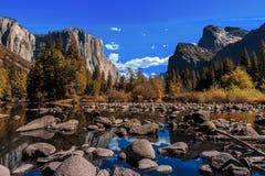 Άποψη κοιλάδων Yosemite Στοκ εικόνες με δικαίωμα ελεύθερης χρήσης