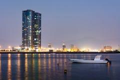 Άποψη λιμνών κολπίσκου του Ras Al Khaimah, βόρειο εμιράτο των Ε.Α.Ε. στοκ φωτογραφία με δικαίωμα ελεύθερης χρήσης