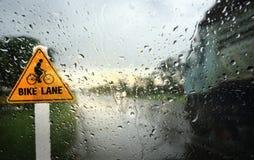 Άποψη μέσω του αλεξήνεμου της βροχερής ημέρας Στοκ εικόνες με δικαίωμα ελεύθερης χρήσης