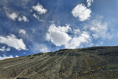 Άποψη μέχρι το λόφο επιδορπίων Στοκ εικόνες με δικαίωμα ελεύθερης χρήσης