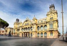 Άποψη μαρινών λιμένων της Βαρκελώνης σε Plaza de colon Στοκ εικόνα με δικαίωμα ελεύθερης χρήσης