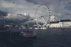 Άποψη ματιών του Λονδίνου από τη γέφυρα του Γουέστμινστερ Στοκ εικόνες με δικαίωμα ελεύθερης χρήσης