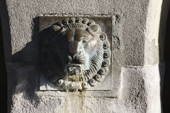 Άποψη μιας αρχαίας πηγής σε Λουκέρνη Στοκ Εικόνες
