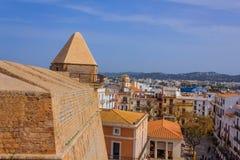 Άποψη μιας συσσώρευσης των σπιτιών σε Ibiza Ισπανία στοκ φωτογραφία με δικαίωμα ελεύθερης χρήσης