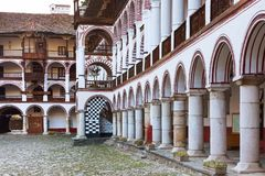 Άποψη μοναστηριών Rila archs, Βουλγαρία Στοκ Εικόνες
