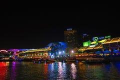 Άποψη νύχτας αποβαθρών της Σιγκαπούρης Clark Στοκ Εικόνες