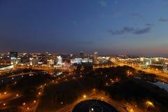 Άποψη νύχτας από τη γέφυρα παρατήρησης στο Μινσκ Στοκ φωτογραφία με δικαίωμα ελεύθερης χρήσης