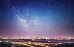 Άποψη νύχτας η πόλη Στοκ Εικόνες