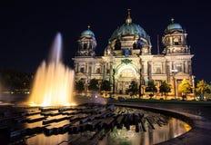 Άποψη νύχτας καθεδρικών ναών του Βερολίνου, Βερολίνο, Γερμανία Στοκ Φωτογραφίες