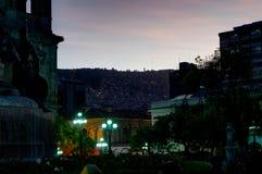 Άποψη νύχτας προς το Λα Παζ Βολιβία βουνών στοκ εικόνες