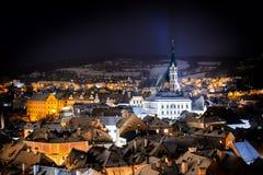 Άποψη νύχτας σε Cesky Krumlov cesky τσεχική πόλης όψη δημοκρατιών krumlov μεσαιωνική παλαιά στοκ εικόνα