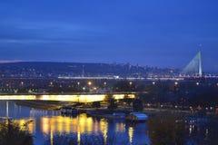 Άποψη νύχτας σχετικά με τις γέφυρες Στοκ εικόνα με δικαίωμα ελεύθερης χρήσης