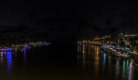 Άποψη νύχτας σχετικά με τον ποταμό Βελιγραδι'ου Στοκ Εικόνα