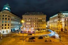 Άποψη νύχτας της διάσημης κρατικής όπερας στη Βιέννη, Αυστρία Στοκ εικόνες με δικαίωμα ελεύθερης χρήσης